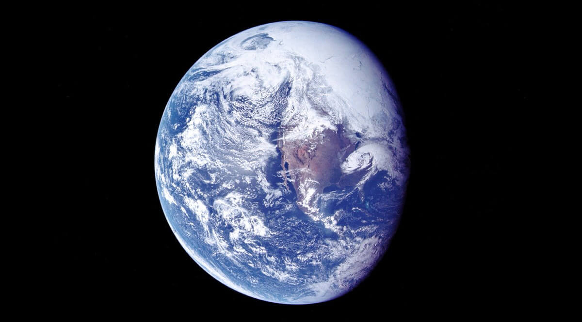 A view of Earth during translunar coast 1972