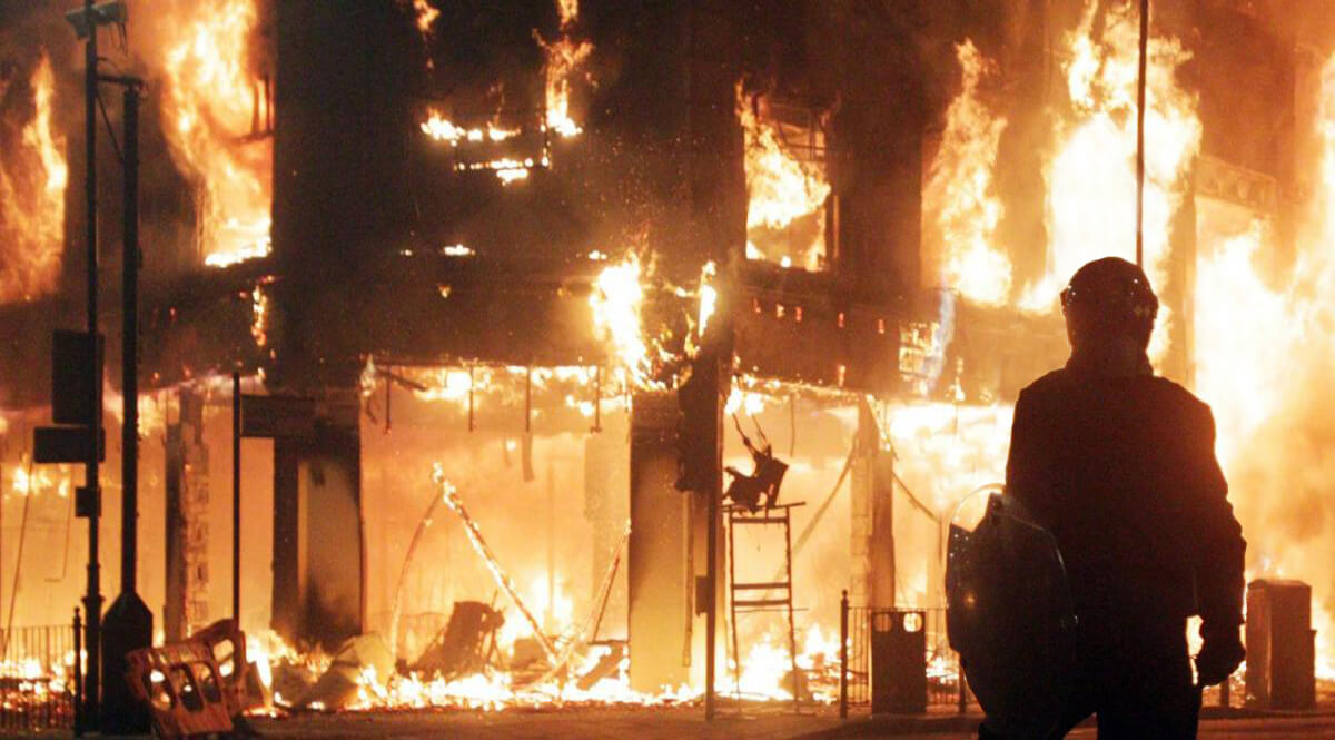 Clashes and Fire in Tottenham